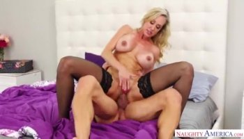 August Taylor does titjob